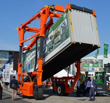 Combilift Launches Multi Functional Straddle Container