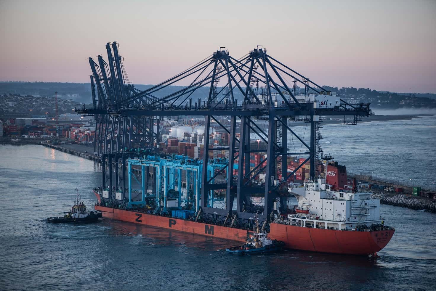 Chile's biggest container port receives two STS and two RTG cranes