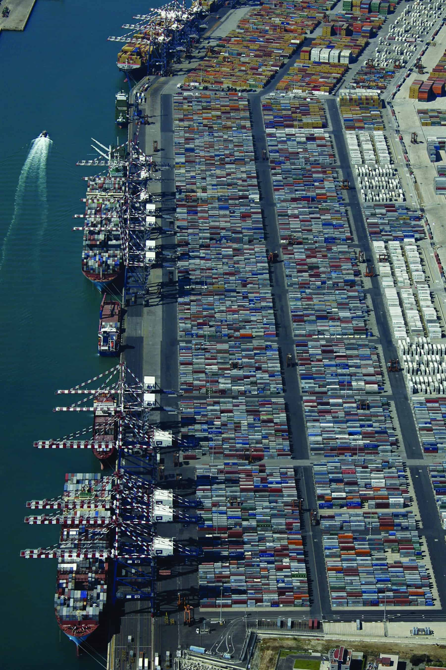 Gioia Tauro Italy  city pictures gallery : Gioia Tauro is Italy's biggest transhipment hub