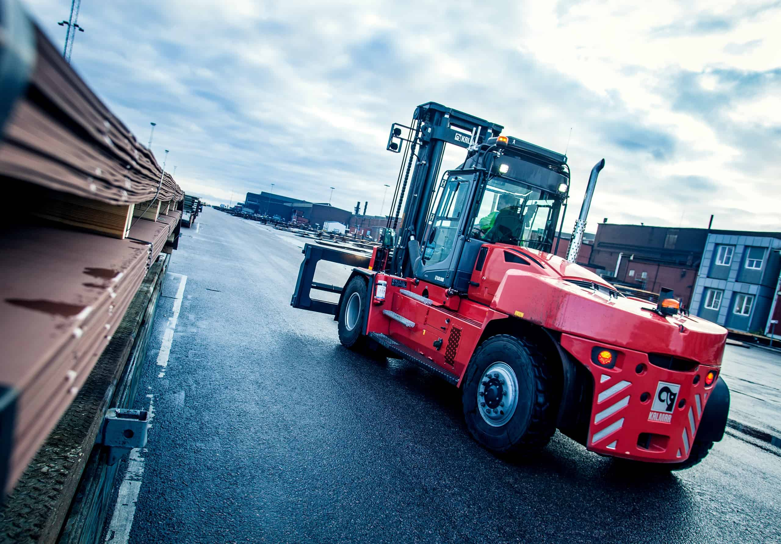 Kalmar and SSAB to develop fuel cell forklift