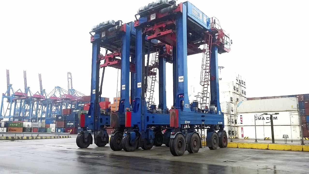 HHLA's Burchardkai terminal orders Kalmar straddle carriers
