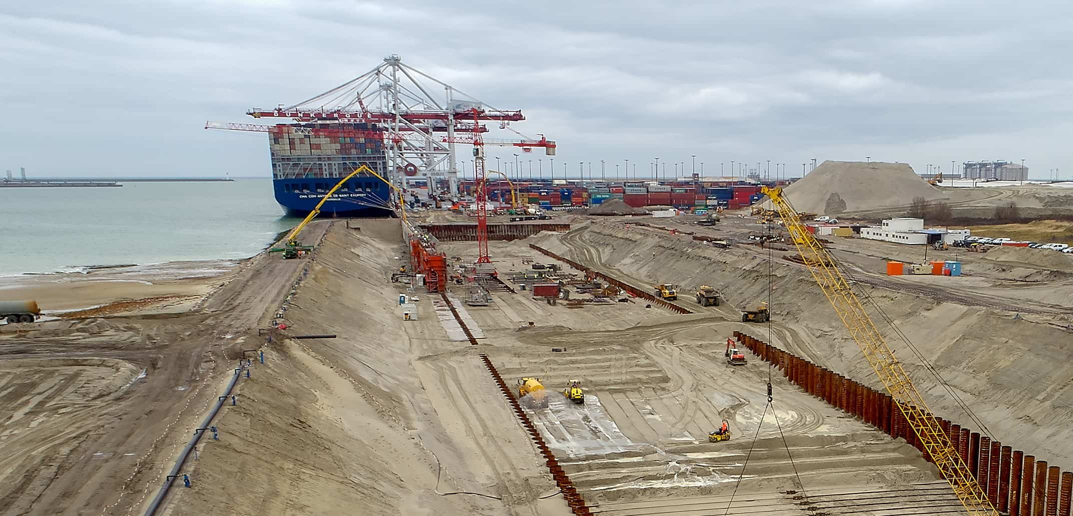 Dunkirk awaits gantry crane as expansion kicks on