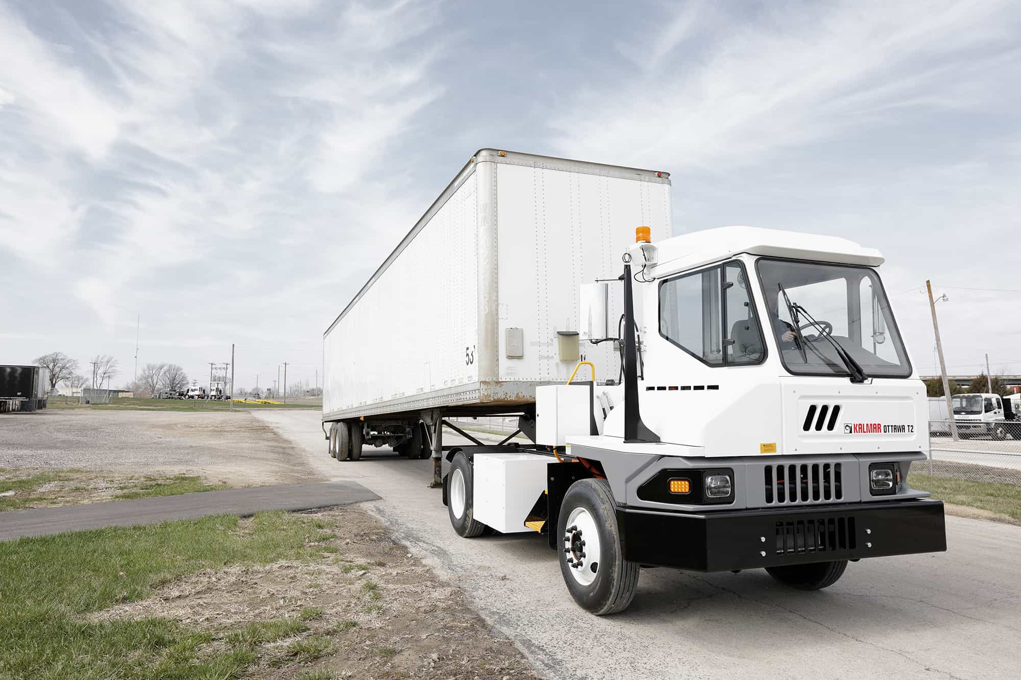 Kalmar introduces fully electric Ottawa terminal tractor