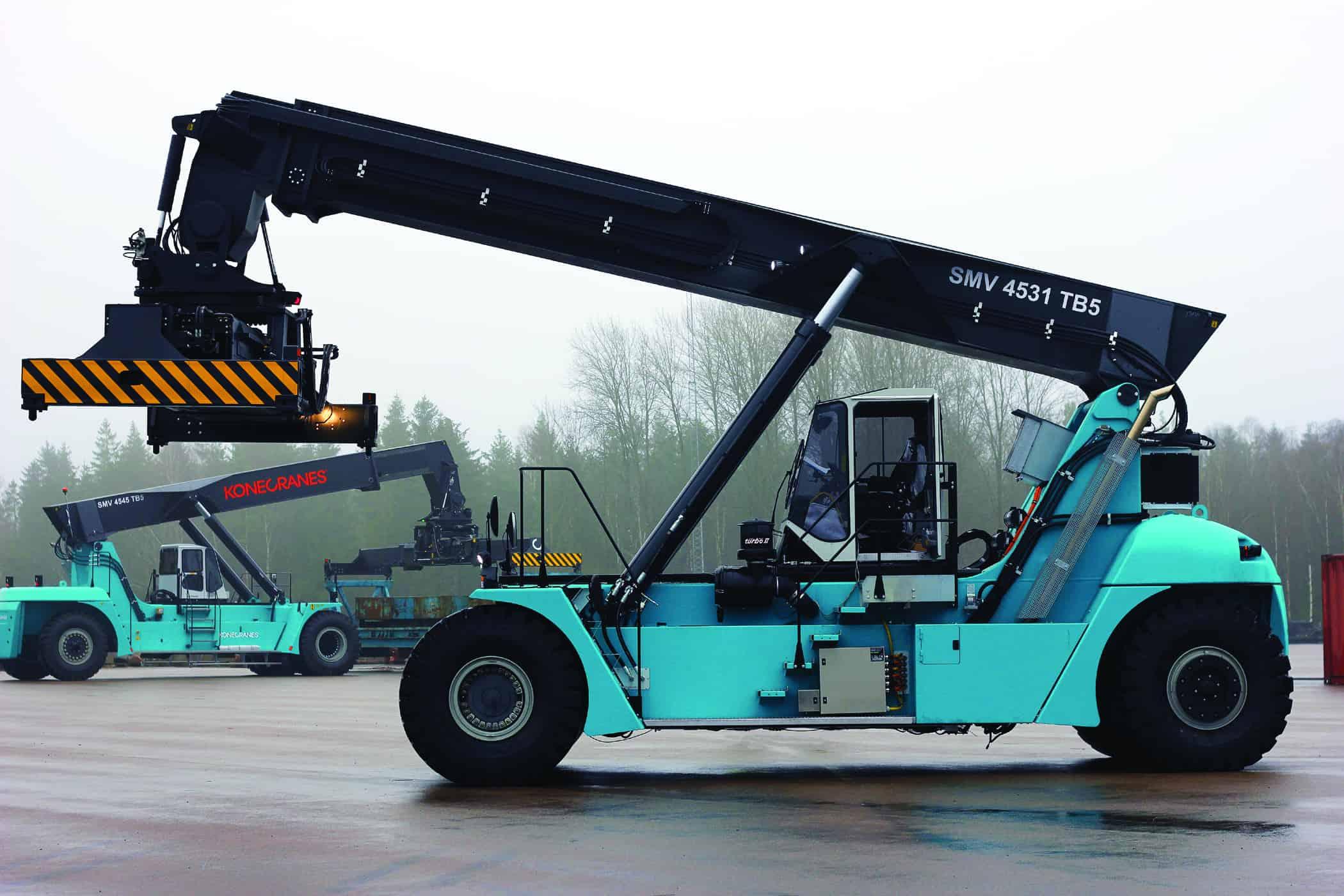Konecranes proudly presents its new hybrid reachstacker