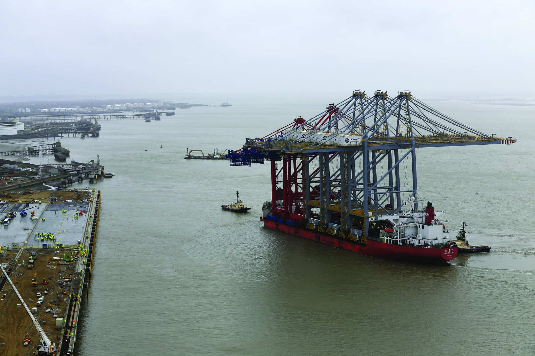 Giant cranes arrive at UK's new super-port