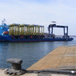 The new RTG arrives at the Port of Kiel