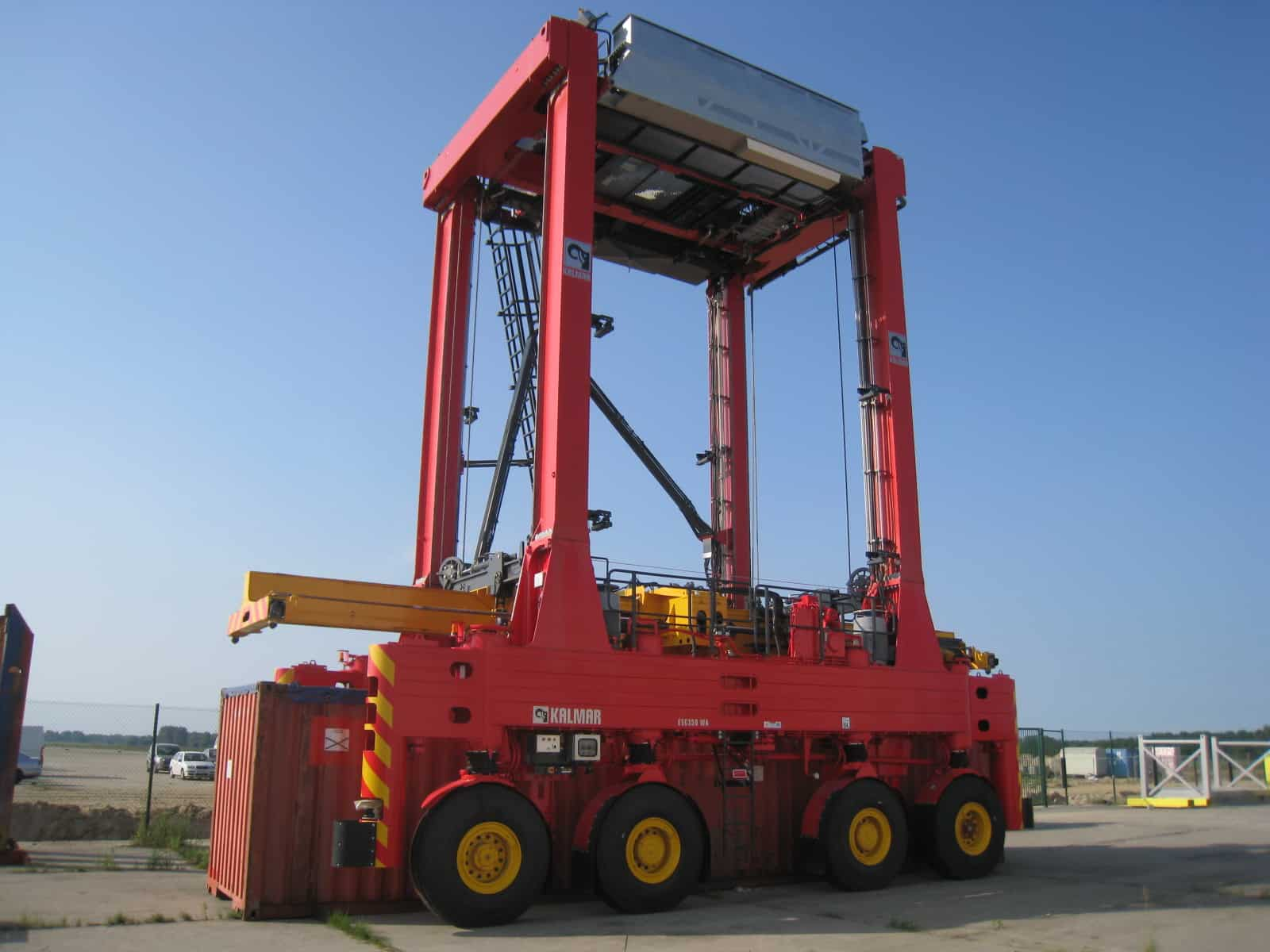 5,000th Kalmar straddle rolls out