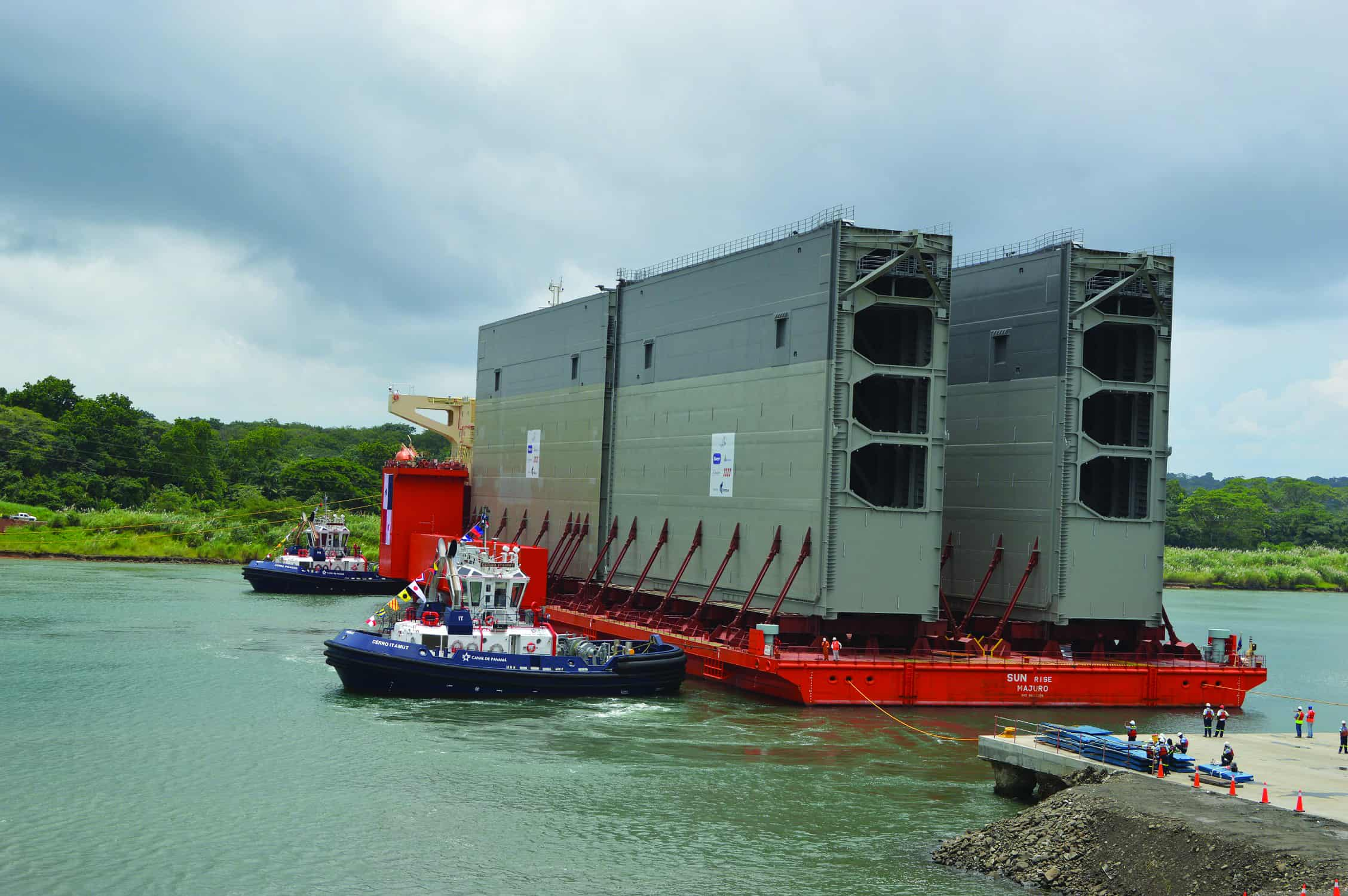 New gates arrive for the expanded Panama Canal