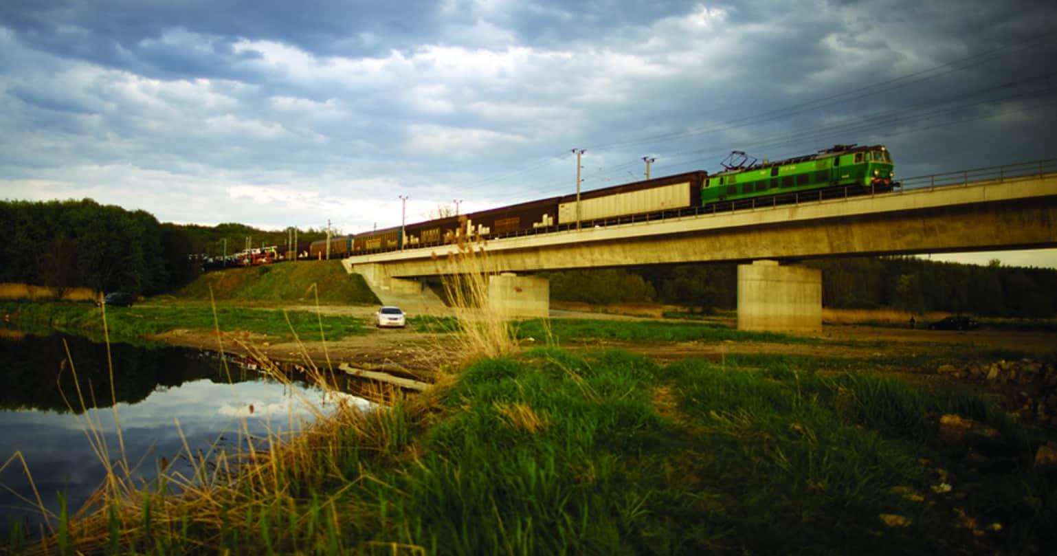 Polish railways to upgrade line with EUR 235m loan