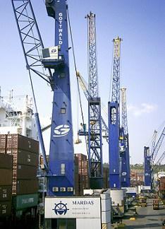 Six Terex Gottwald cranes retrofitted to handle larger vessels