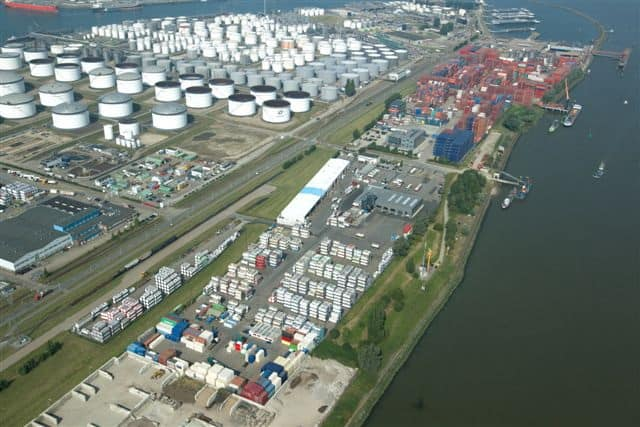 Rotterdam remains stable and makes more room for hazardous containers