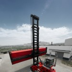 Jebel Ali's empty container handlers will be delivered by April 2014