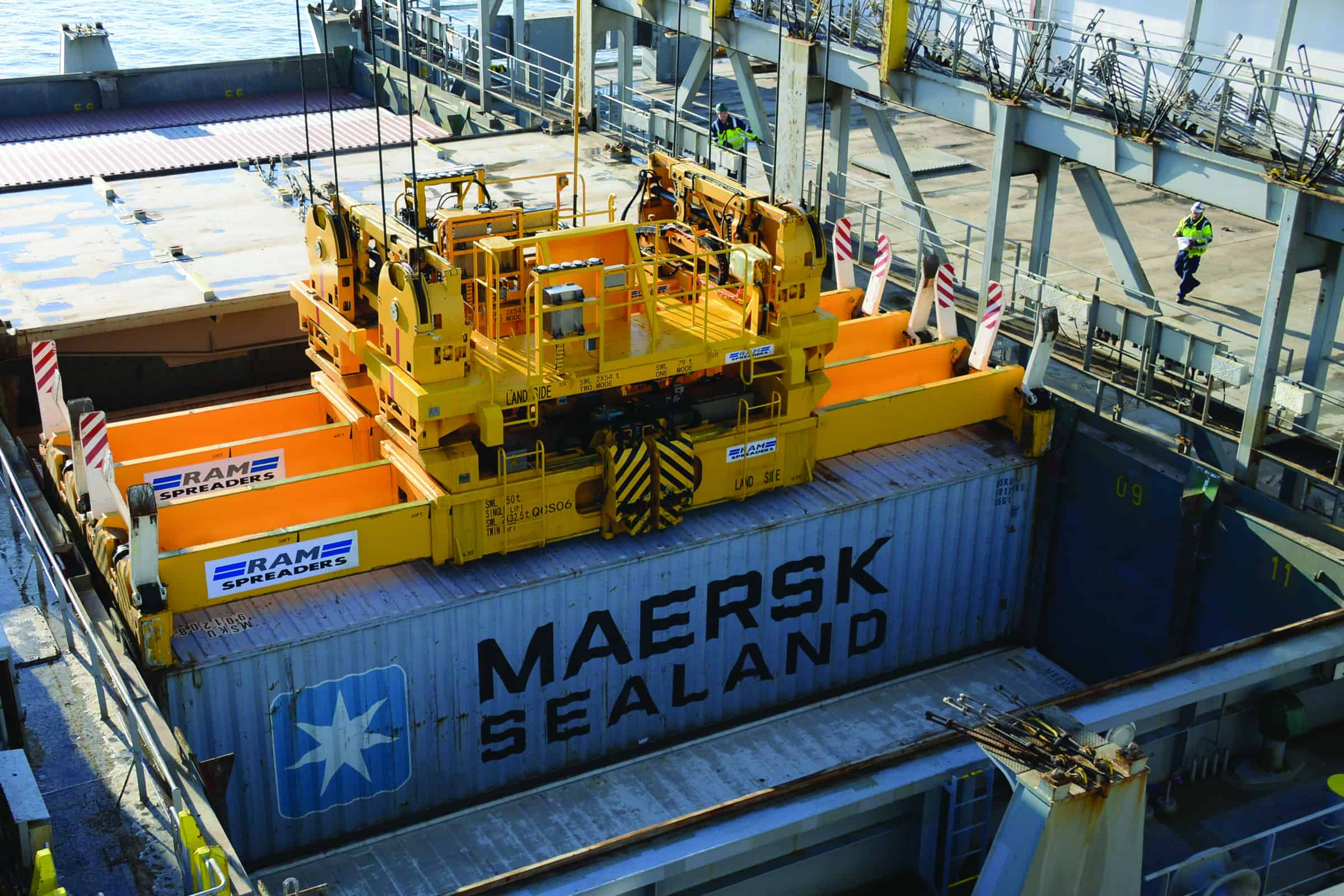 Quadruple lifts at London Gateway