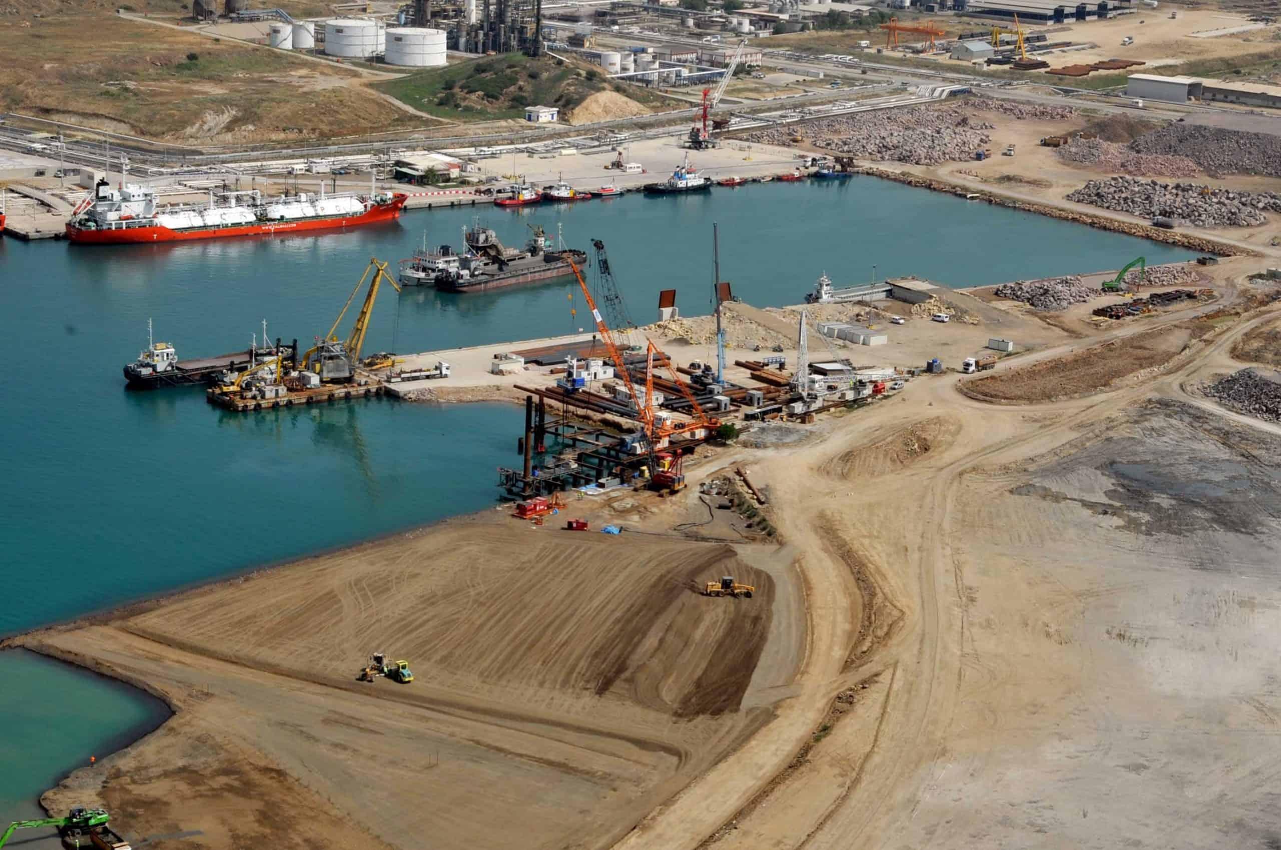 ZPMC cranes for APMT Izmir