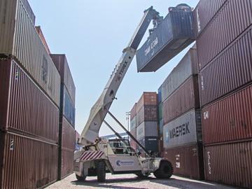 Bandeirantes increases reachstacker fleet