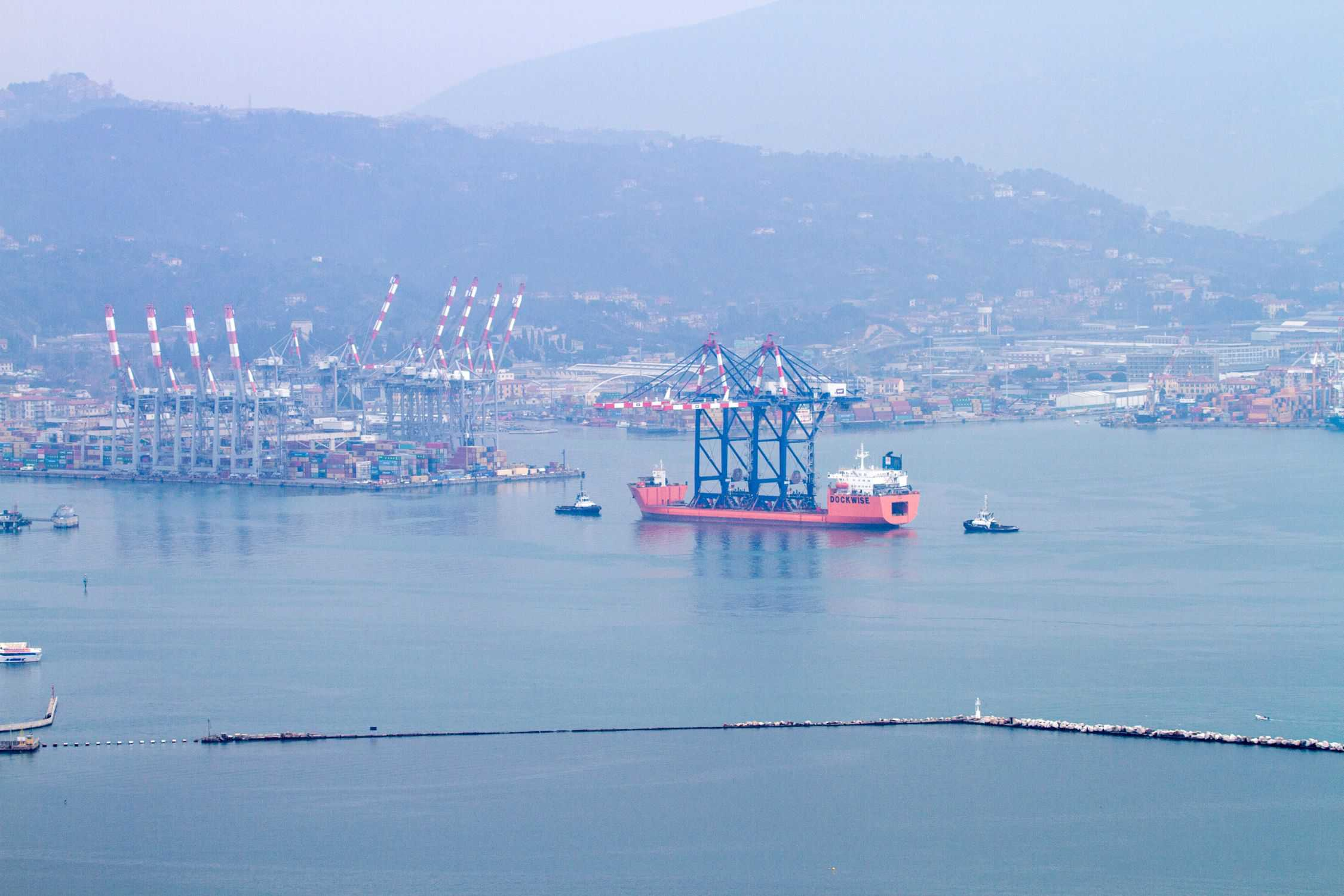 La Spezia welcomes eagerly awaited STS cranes