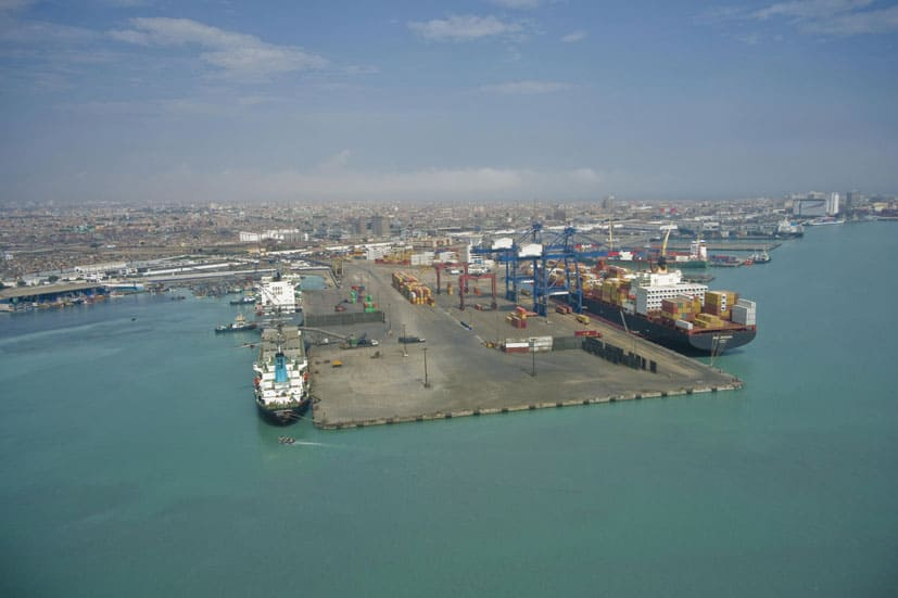 Callao dockworkers agree to end strike