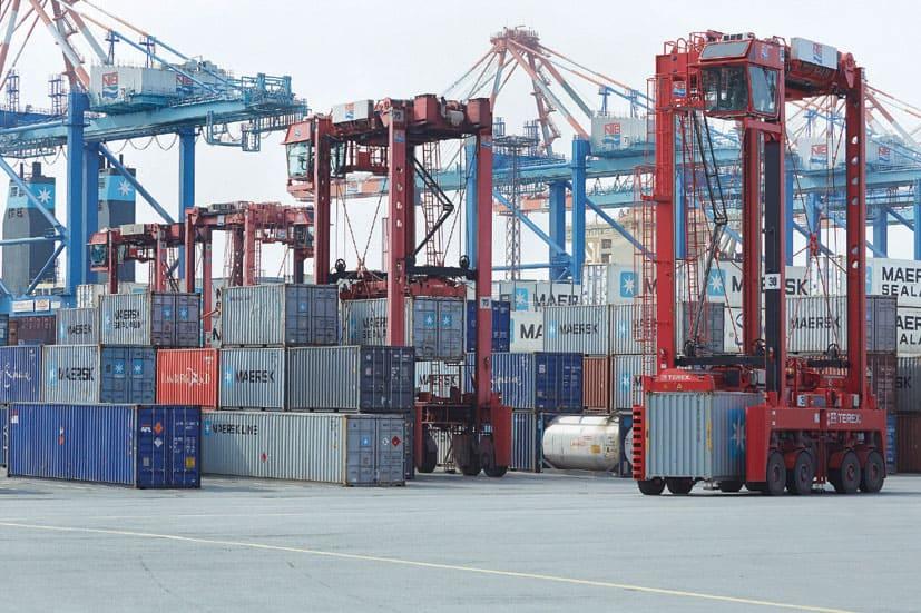 Port Newark terminal orders 20 Terex straddle carriers