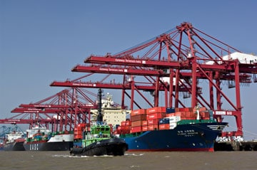 Strike ends at India's largest container terminal