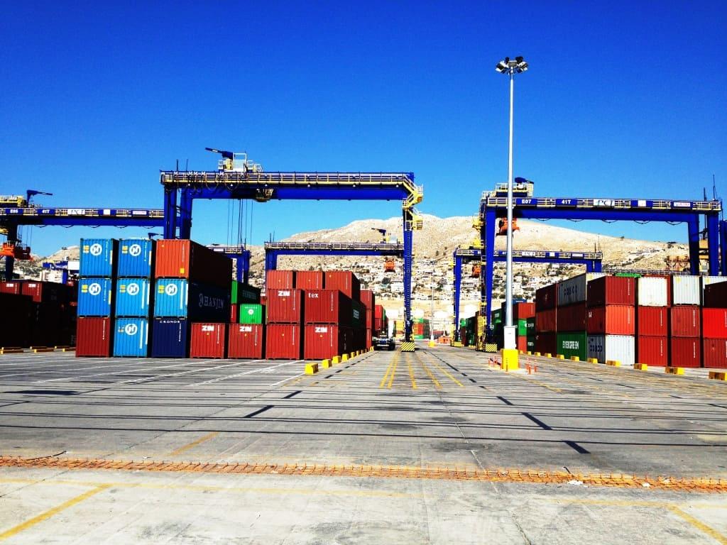 Cosco Piraeus orders 15 Kalmar RTGs