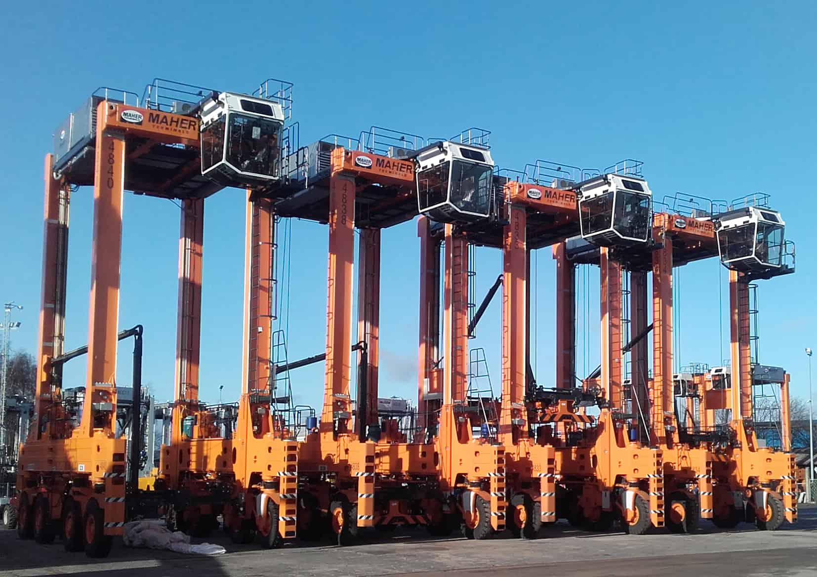 Maher Terminals orders 27 Kalmar straddle carriers