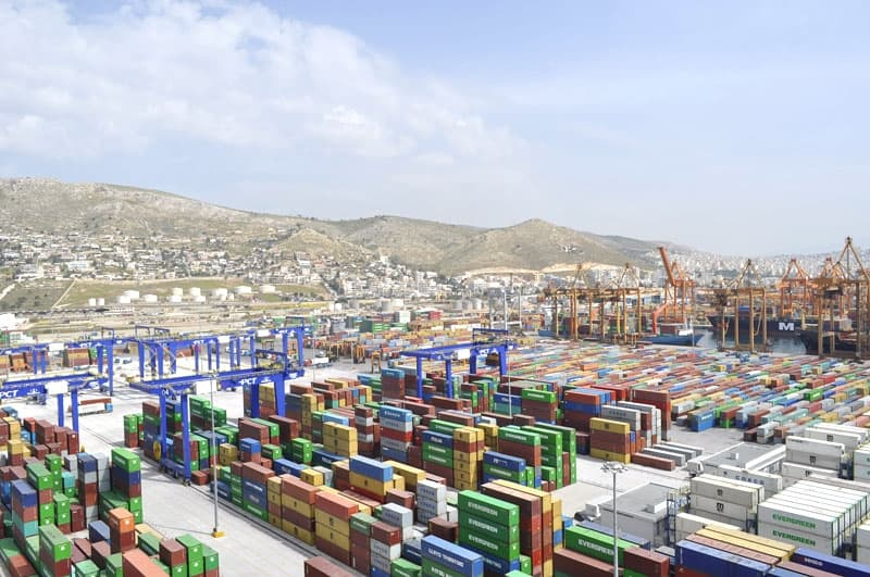 Dockers protest as COSCO buys stake in Piraeus