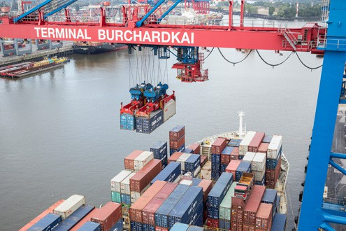 HHLA orders Kalmar's electric straddle carriers