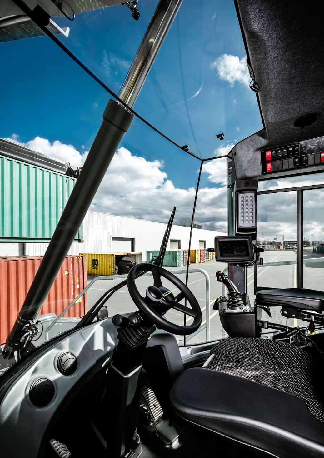 Liebherr sells reachstacker to Antwerp