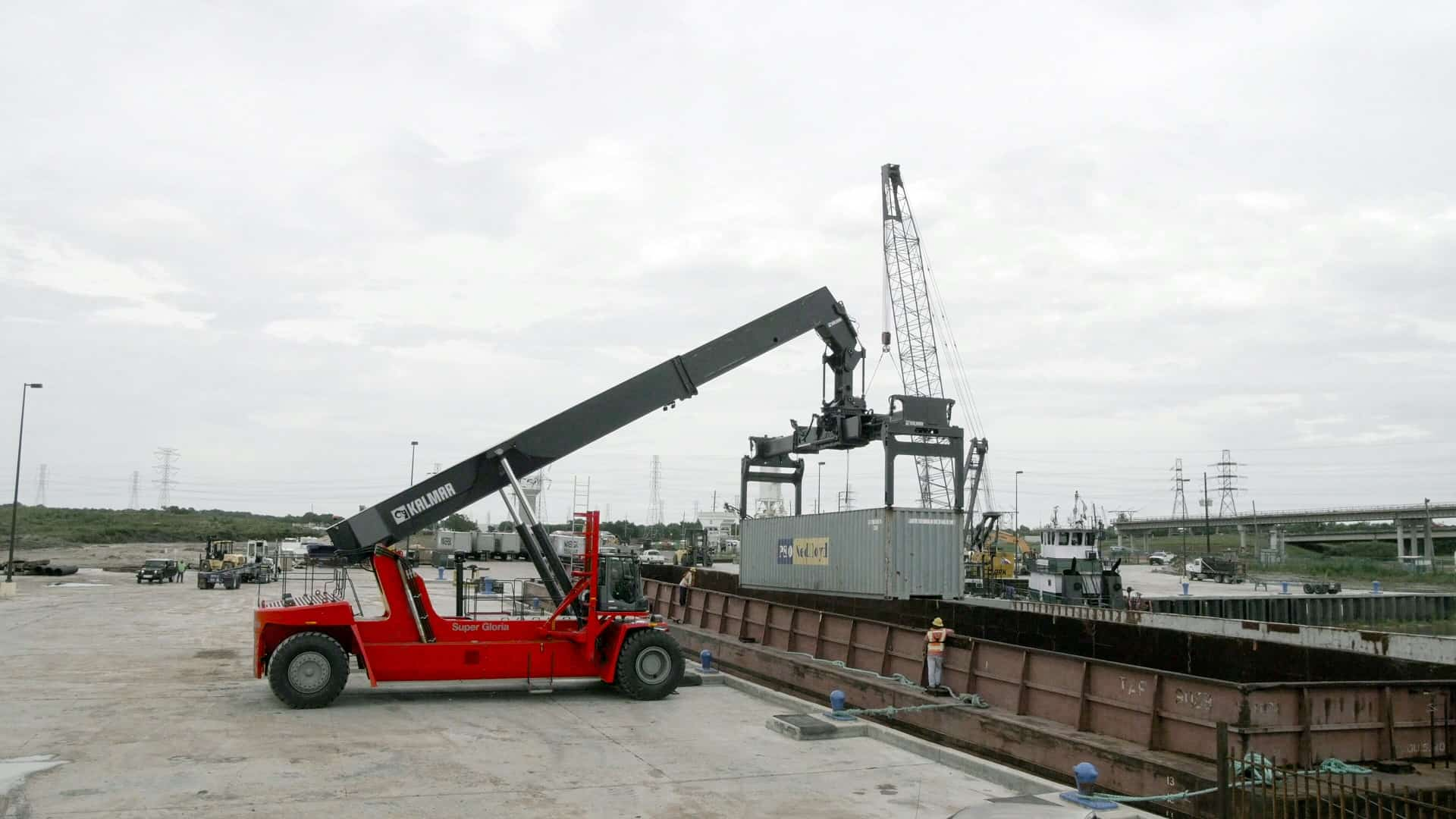 Kalmar delivers reachstacker to Texas intermodal facility