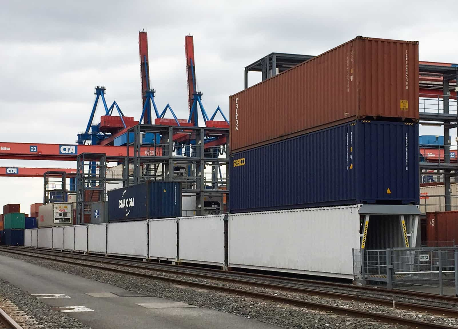 New tunnels for reefer container maintenance in Hamburg