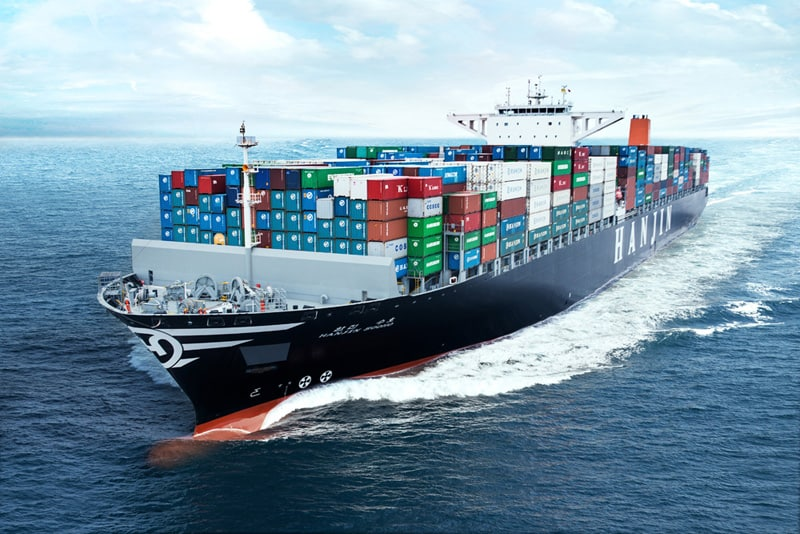 Hanjin's parent company to fund unloading of stranded cargo