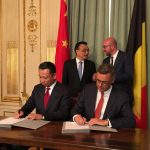 Joachim Coens, CEO of the Zeebrugge port authority, signing the agreement