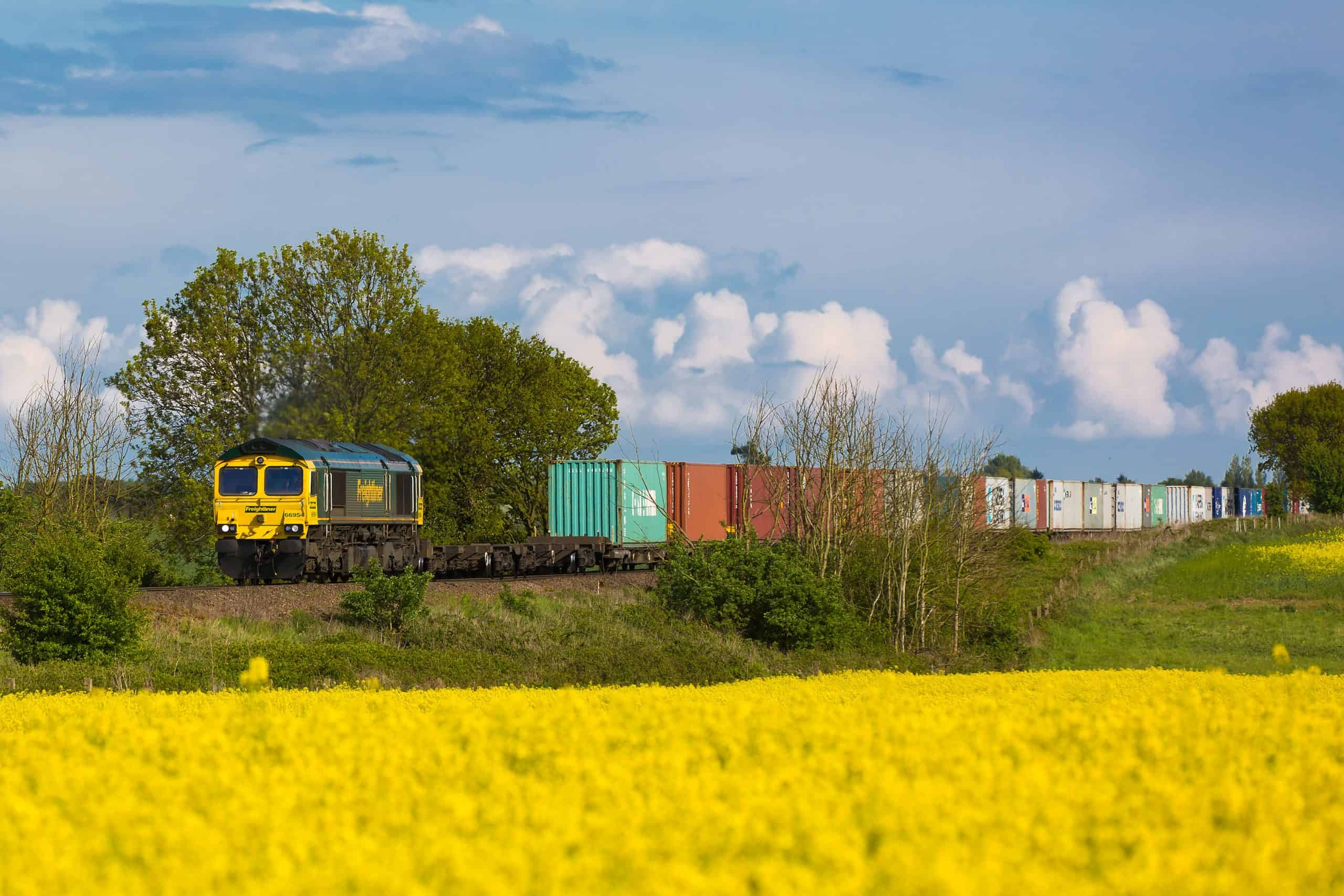 UK government approves Felixstowe rail improvements