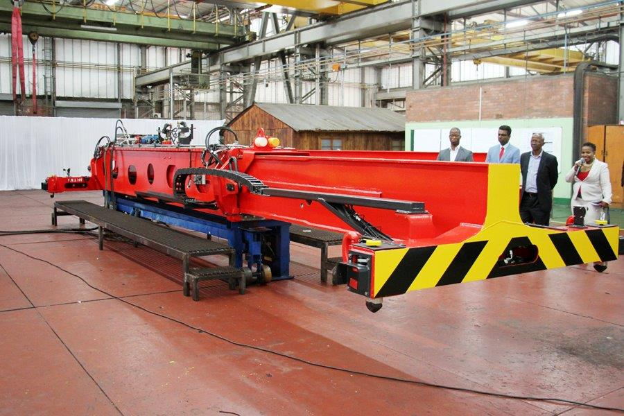 Transnet receives 23 Kalmar straddle carriers