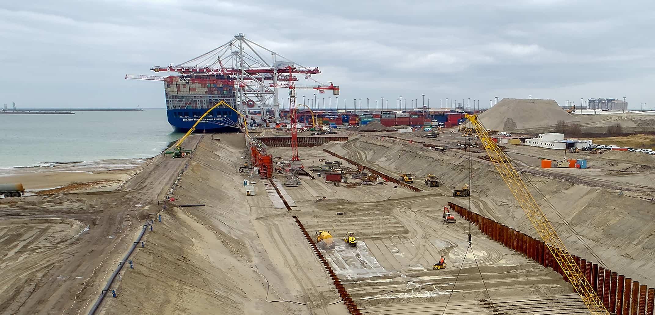 Dunkirk awaits gantry crane as expansion kicks on