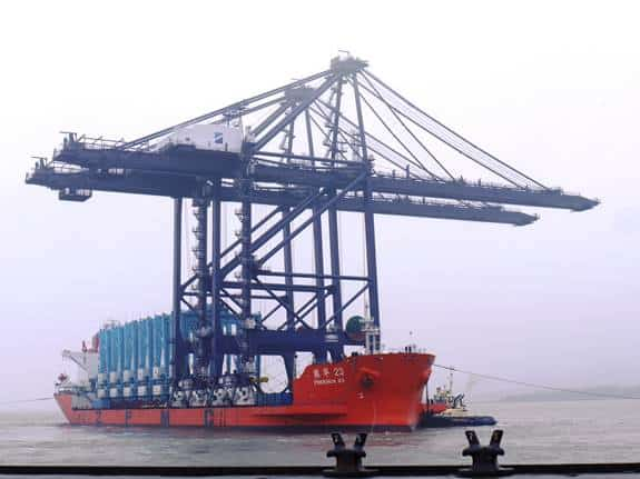 Cranes arrive at Felixstowe