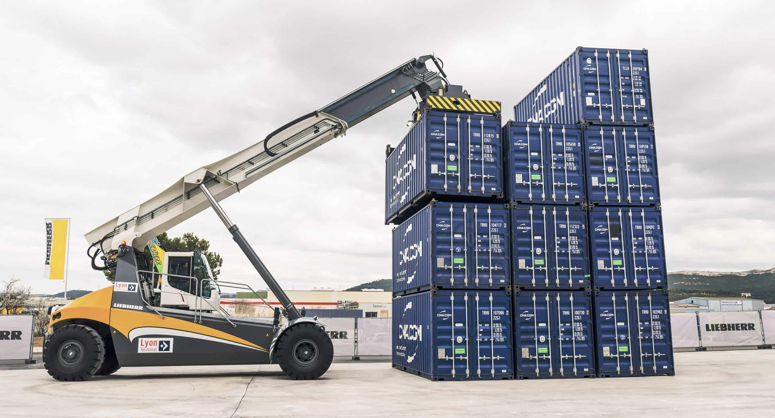 Lyon Terminal opts for two Liebherr reachstackers