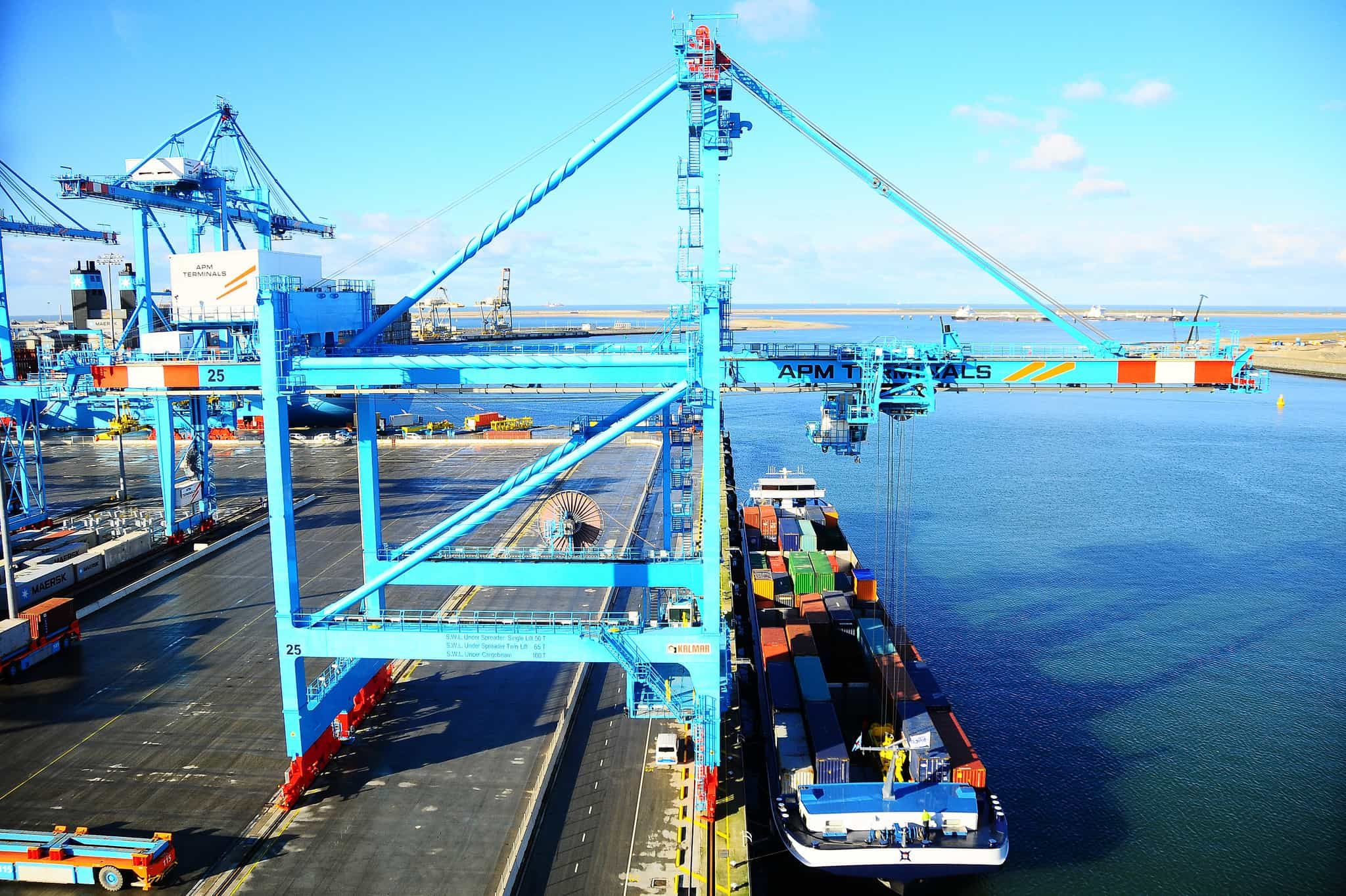 APMT launches new Rotterdam barge service