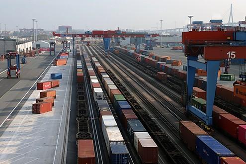 HHLA increases rail capacity at the Port of Hamburg