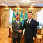 DP World group chairman and CEO Sultan Ahmed bin Sulayem with Kazakhstan's Prime Minister Askar Mamin