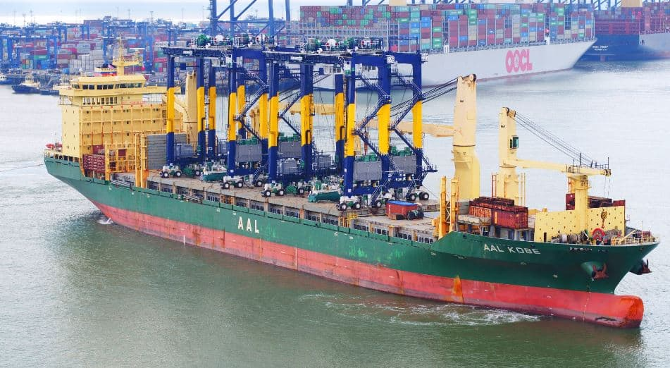 Port of Felixstowe receives remote-controlled RTGs