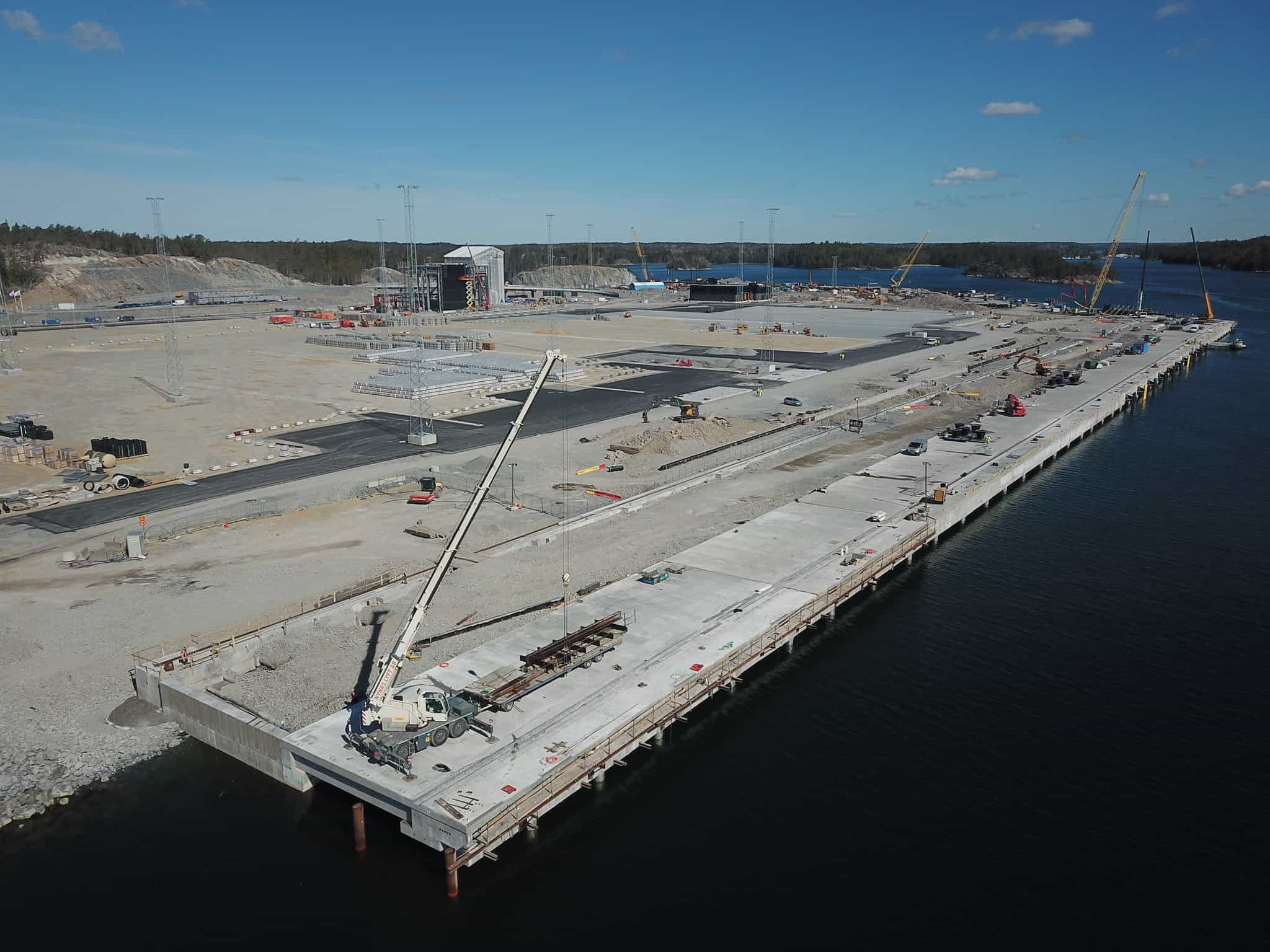 Stockholm Norvik Port completes container quay construction