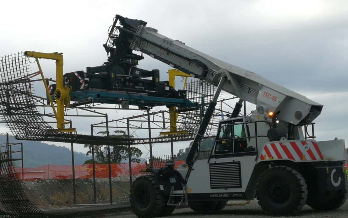 Global Port Equipment reachstackers used in tunnel reinforcement project