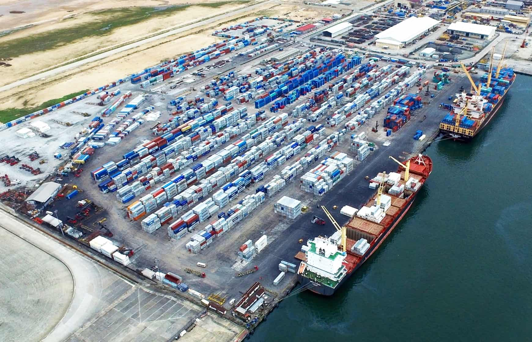 West Africa Container Terminal invests in new mobile harbour cranes