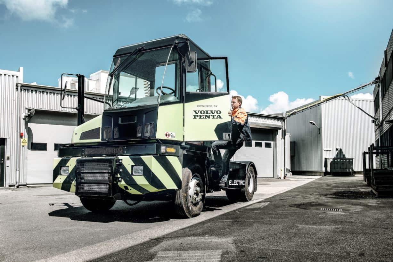 Volva Penta presents emission-free terminal tractor