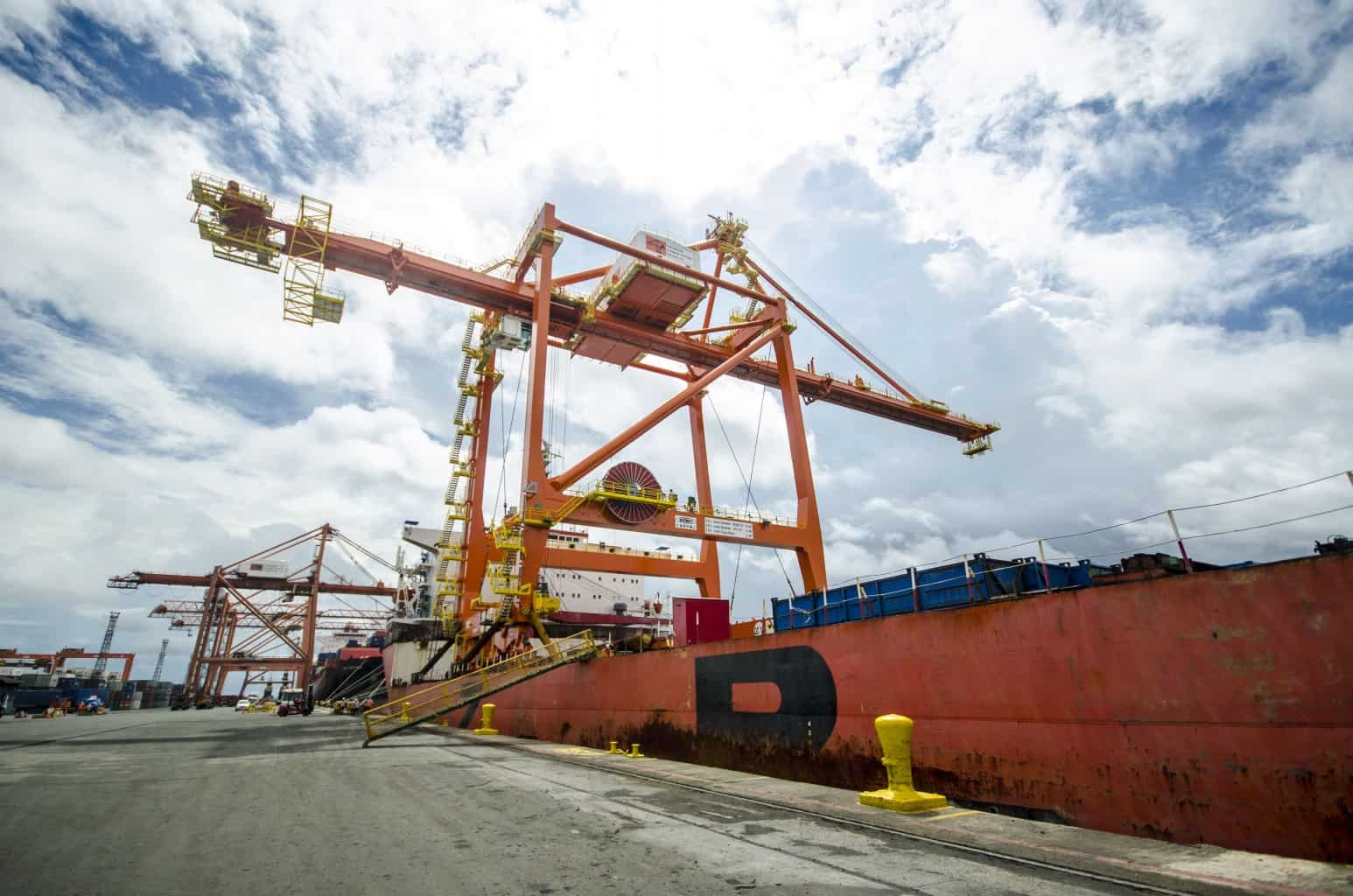 ICTSI Manila expands equipment fleet