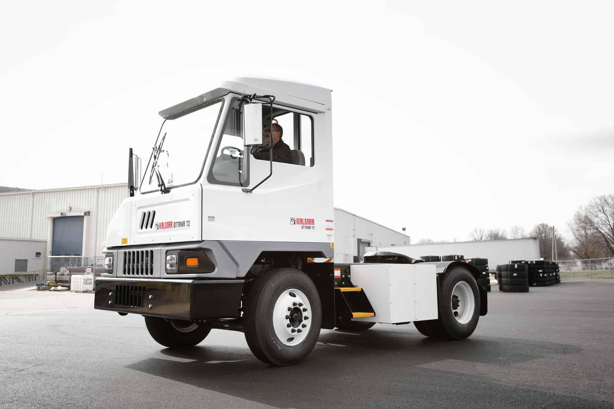 Kalmar set to deliver 25 electric terminal tractors to California