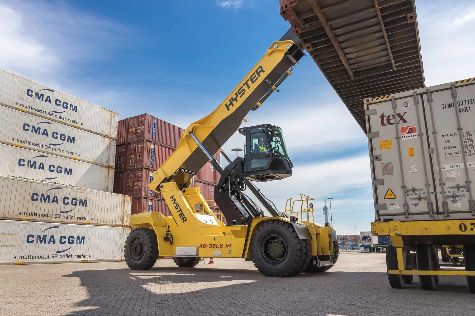Hyster Europe develops solutions to handle containers in the second rail position
