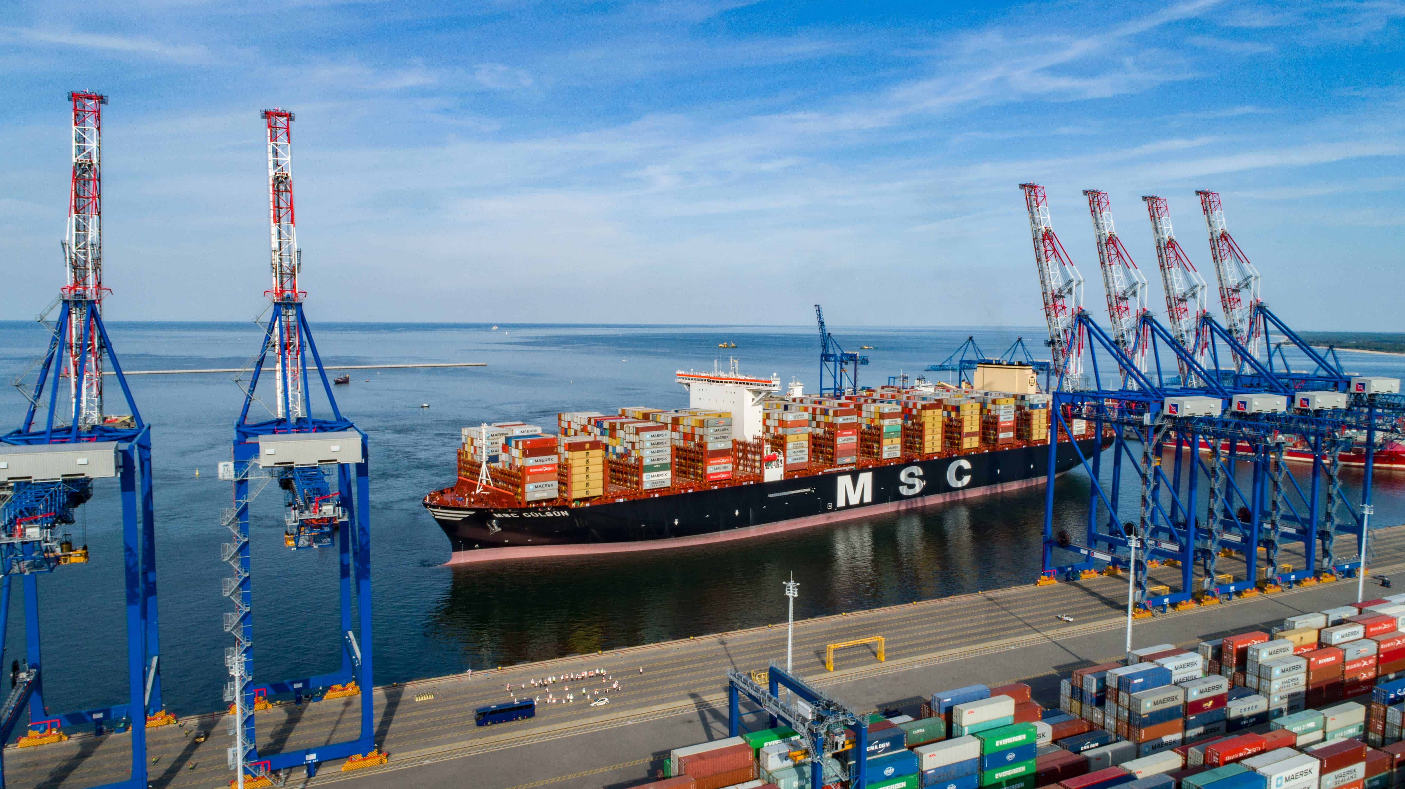 DCT Gdansk receives 14th Liebherr ship-to-shore crane to handle large vessels