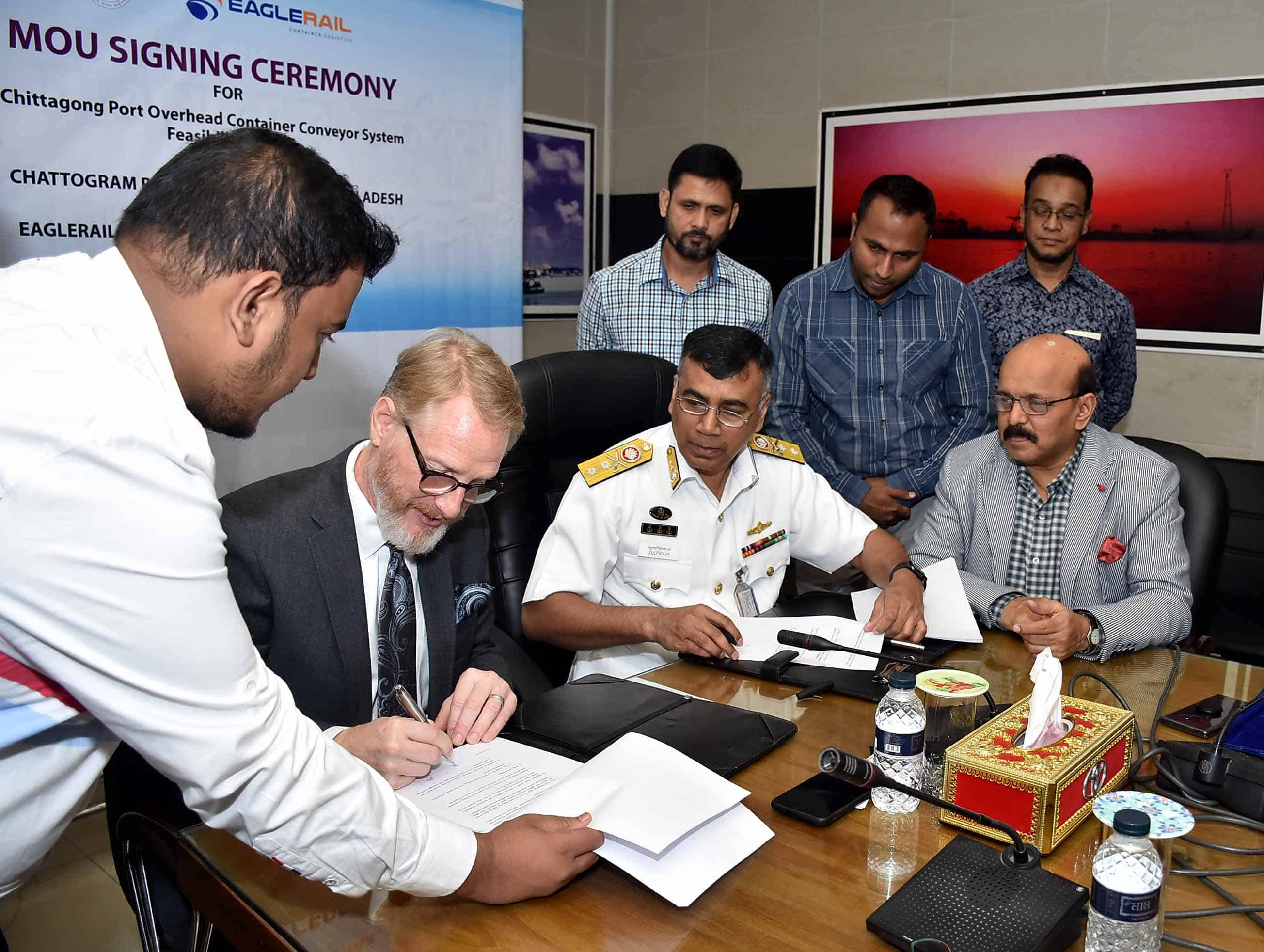 EagleRail signs MOU with Bangladeshi port to address gridlock with electric overhead rail system